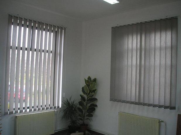 màn lá dọc văn phòng 222