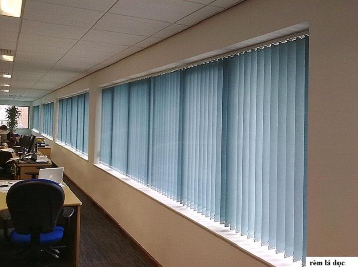 rèm lá dọc cửa sổ 635